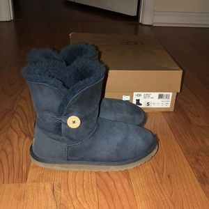 Bailey Button Uggs with Box